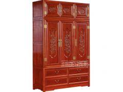三节雕花老榆木衣柜