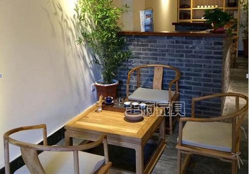 来到 王府购买新中式免漆仿古老榆木家具