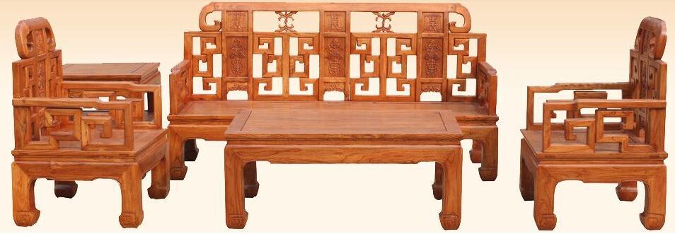 天津去哪买老榆木家具? 天津做家具的并不多,尤其做老榆木家具的厂家更少,那天津去哪购买老榆木家具呢?香河距离天津很近,同时也是北方的家具之都。很多天津人买老榆木家具都是选择来香河。香河的老榆木家具种类全,样式多,而且售后维修都会有很好的保障。  天津刘哥购买老榆木家具 天津的刘哥也是一位想购买老榆木家具长条桌的客户,之前走遍了天津的家具城,可惜都没有找到合适喜欢的款式。在一次出差去北京的途中,路上无意间见到一个广告牌,正式一款自己喜欢的那款老榆木家具长条桌,便及时记下了厂家的电话。  来厂并成功签单 刘哥